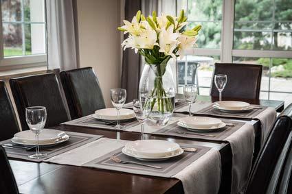 Bild von einem Tisch zum Thema Besichtigungstermin vorbereiten